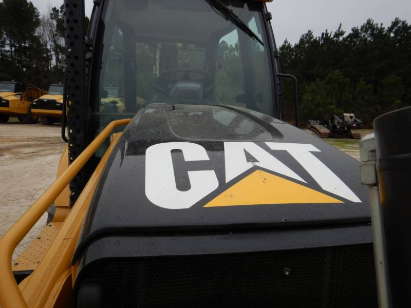 CATERPILLAR CHARGEUSES-PELLETEUSES 450F equipment  photo 14