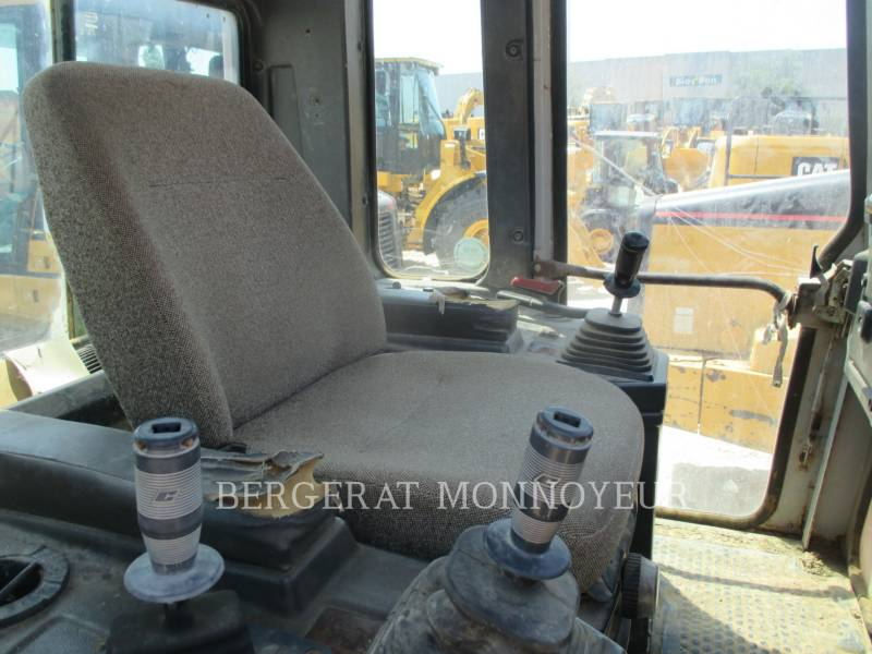FIAT ALLIS / NEW HOLLAND KETTENLADER FL175 equipment  photo 10