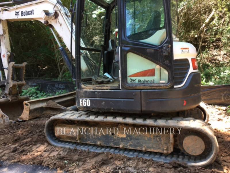 BOBCAT PELLES SUR CHAINES E60 equipment  photo 1