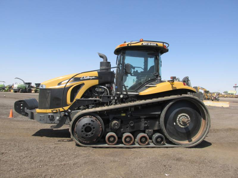 AGCO-CHALLENGER LANDWIRTSCHAFTSTRAKTOREN MT845E equipment  photo 2