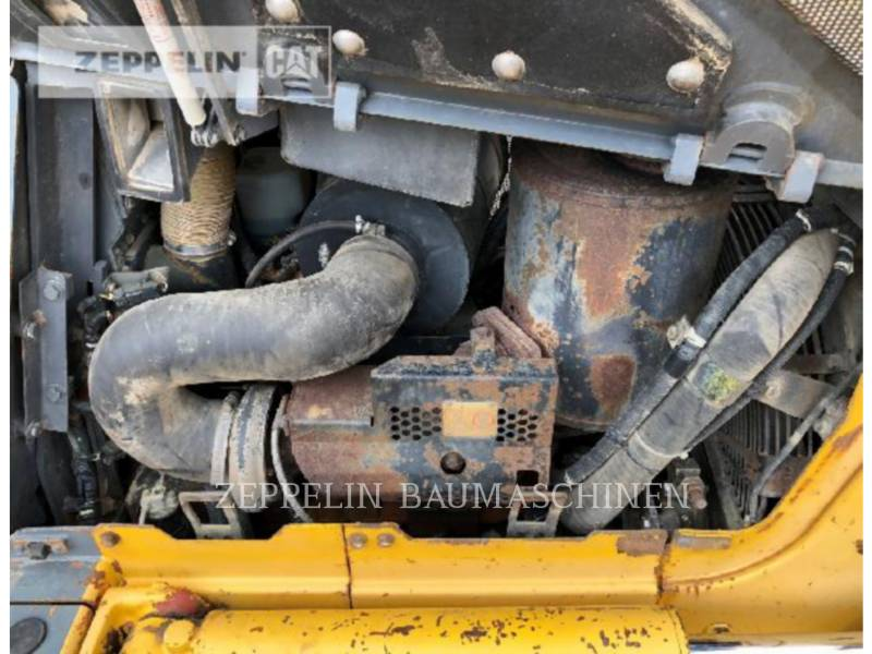 KOMATSU LTD. TRACTORES DE CADENAS D61PX-12 equipment  photo 12