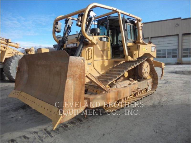 CATERPILLAR TRACK TYPE TRACTORS D6T XL R equipment  photo 1
