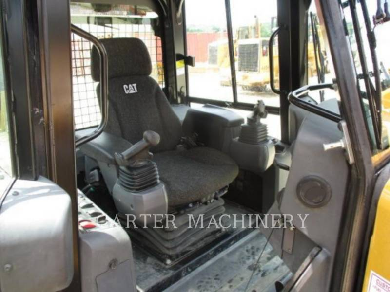 CATERPILLAR TRACK TYPE TRACTORS D4K2LGP equipment  photo 10