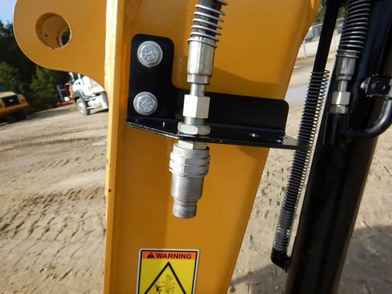 CATERPILLAR トラック油圧ショベル 303ECR equipment  photo 16