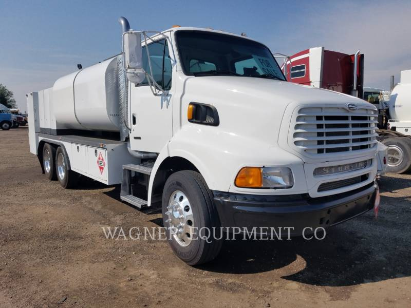 STERLING CAMIONES DE CARRETER FUEL LUBE TRUCK equipment  photo 4