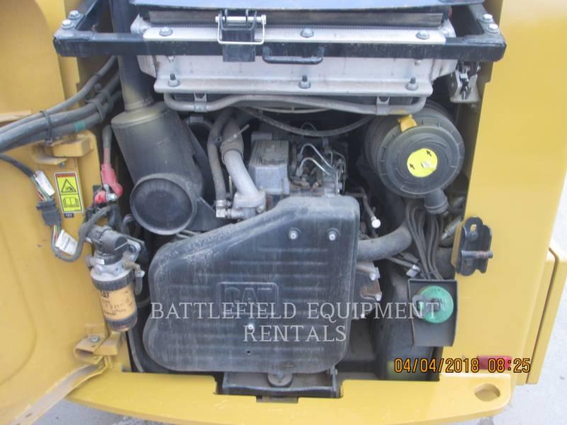 CATERPILLAR KOMPAKTLADER 246C equipment  photo 10