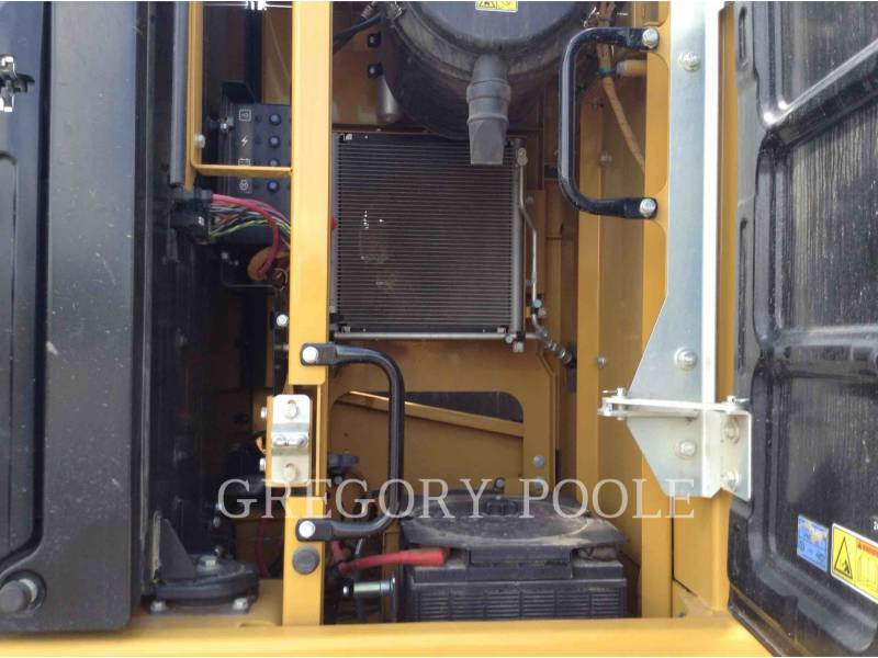 CATERPILLAR EXCAVADORAS DE CADENAS 326F L equipment  photo 9