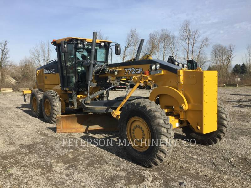 DEERE & CO. MOTORGRADER 772GP equipment  photo 2