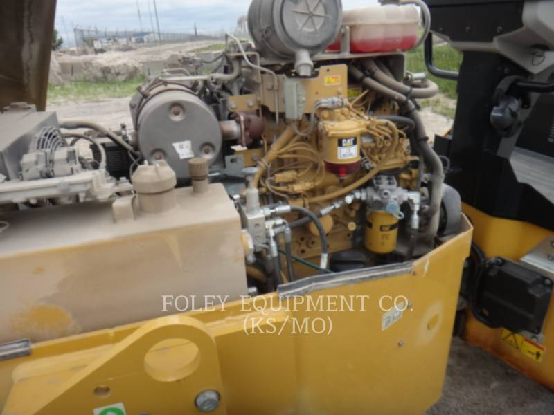 CATERPILLAR COMPACTORS CC34B equipment  photo 12