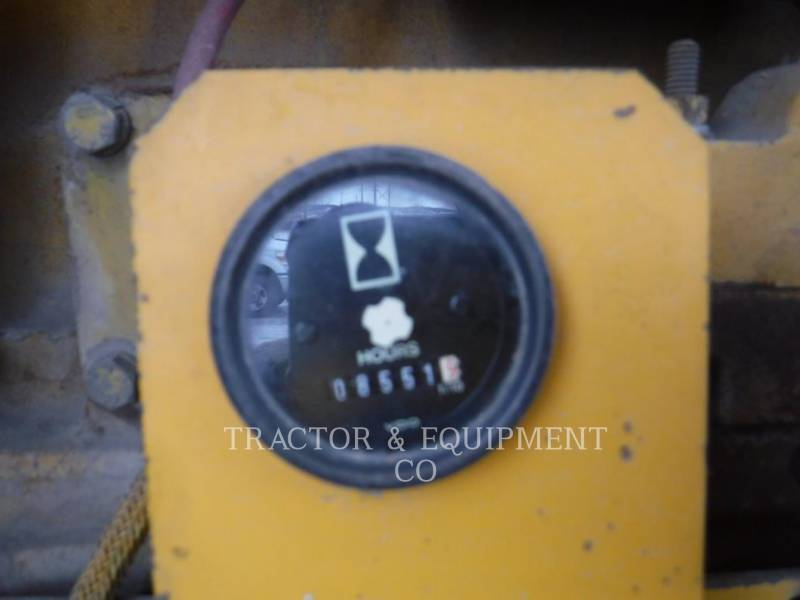 JOHN DEERE NIVELEUSES 772BH equipment  photo 3