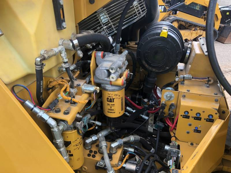 CATERPILLAR TANDEMVIBRATIONSWALZE, ASPHALT CB 54 equipment  photo 14