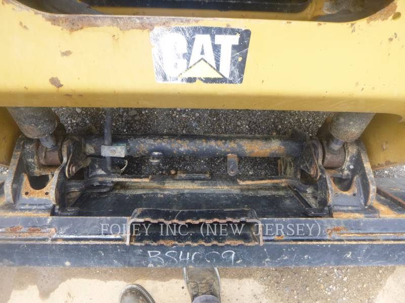 CATERPILLAR PALE COMPATTE SKID STEER 236D equipment  photo 11