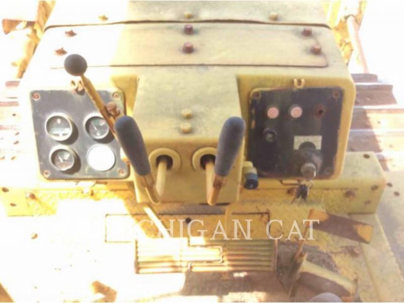 KOMATSU TRACK TYPE TRACTORS D65E equipment  photo 6