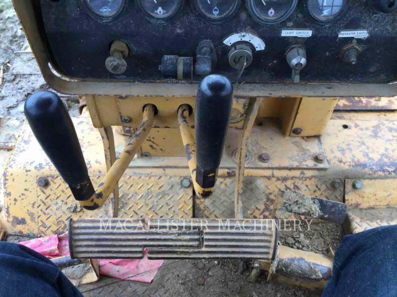 KOMATSU TRACTEURS SUR CHAINES D85E equipment  photo 17