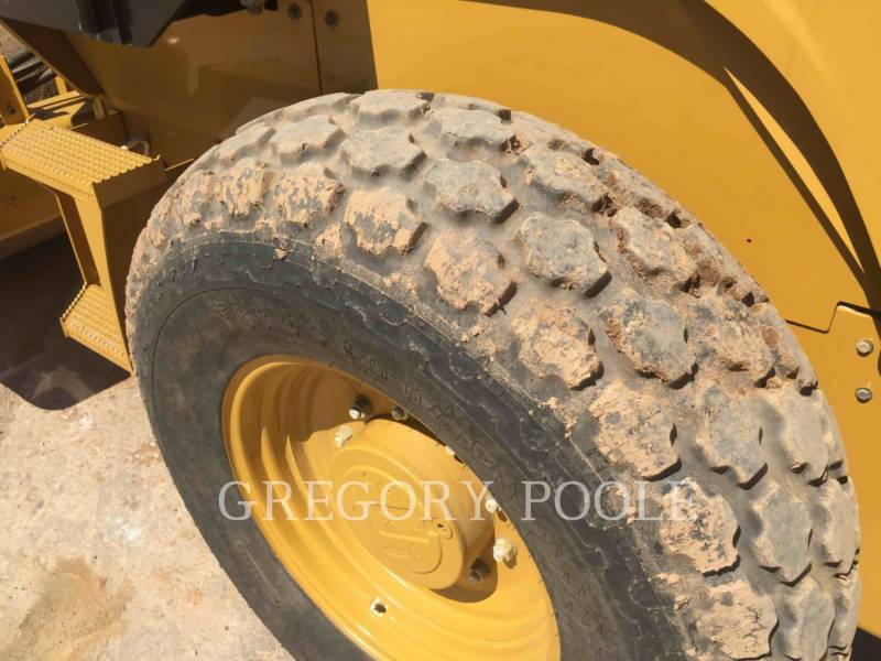CATERPILLAR COMPACTADORES DE SUELOS CS-44 equipment  photo 16