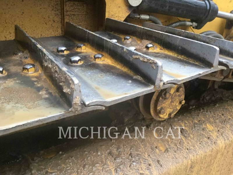 CATERPILLAR TRACK TYPE TRACTORS D4K2X AS4F equipment  photo 19