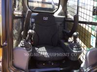 CATERPILLAR SKID STEER LOADERS 272D2 equipment  photo 5