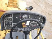 CATERPILLAR ASPHALT PAVERS AP1055D equipment  photo 11