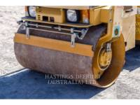 CATERPILLAR VIBRATORY DOUBLE DRUM ASPHALT CB24 equipment  photo 10