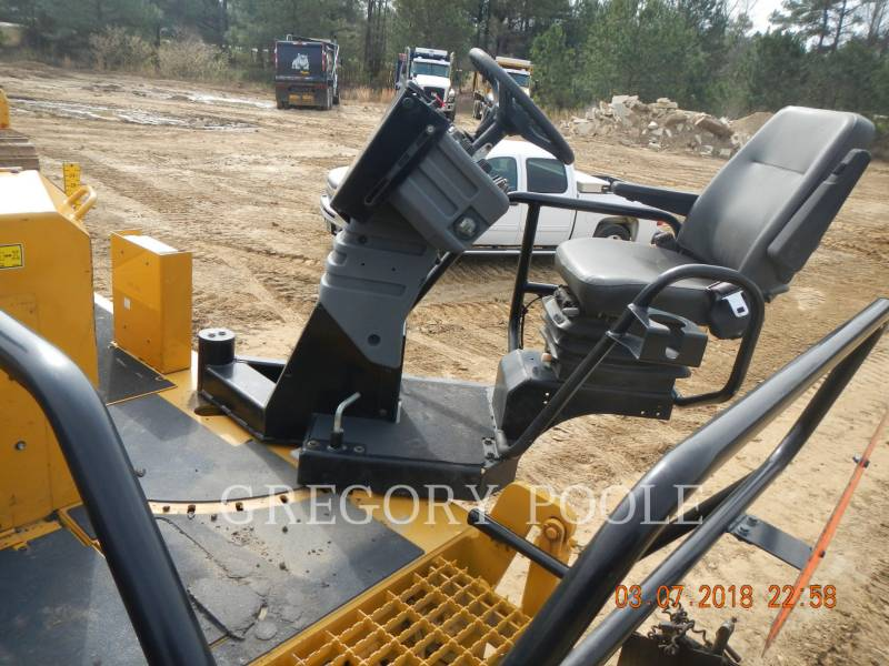 CATERPILLAR PAVIMENTADORA DE ASFALTO AP1055E equipment  photo 18