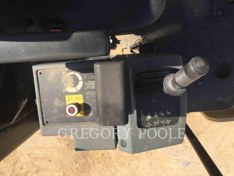 CATERPILLAR VIBRATORY SINGLE DRUM SMOOTH CS-44 equipment  photo 20