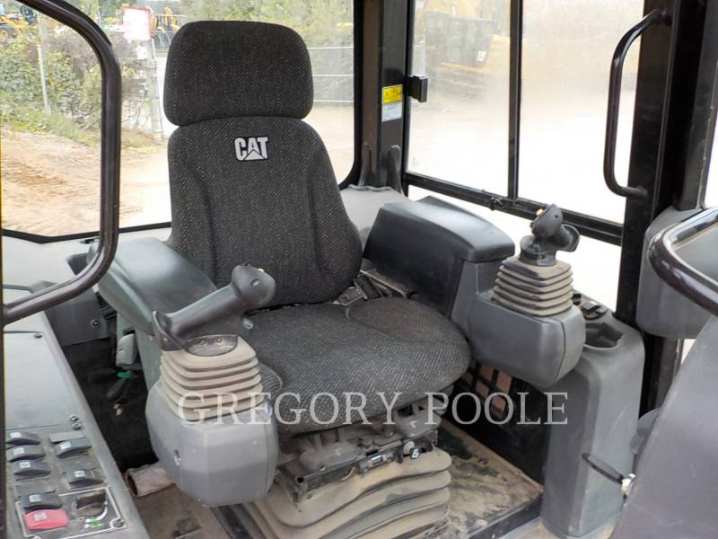 CATERPILLAR TRACK TYPE TRACTORS D3K2 LGP equipment  photo 21