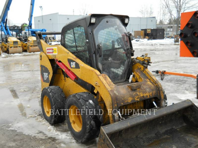 CATERPILLAR KOMPAKTLADER 262C equipment  photo 1