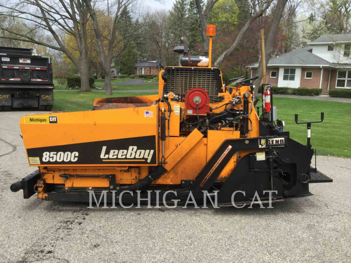 Detail photo of 2015 LeeBoy 8500C from Construction Equipment Guide