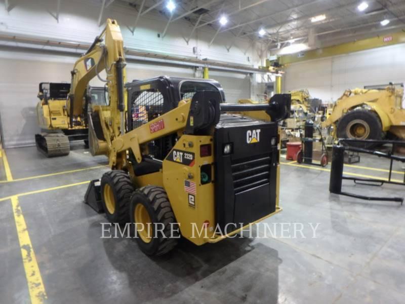CATERPILLAR KOMPAKTLADER 232D equipment  photo 3