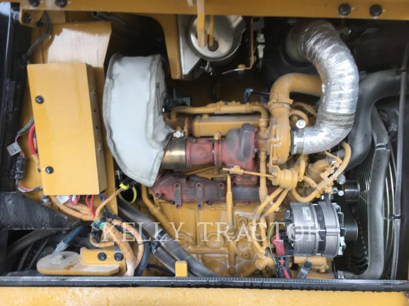 CATERPILLAR VIBRATORY SINGLE DRUM SMOOTH CS 34 equipment  photo 3