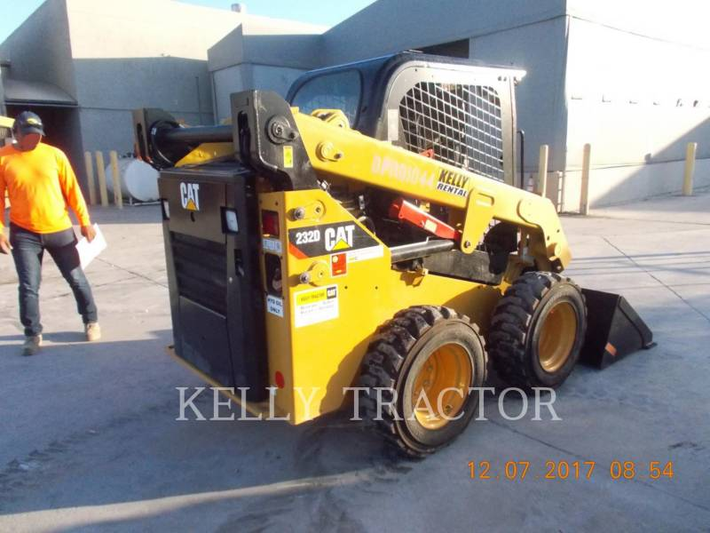 CATERPILLAR KOMPAKTLADER 232D equipment  photo 2