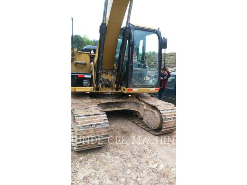 CATERPILLAR PELLES SUR CHAINES 318D2L equipment  photo 1