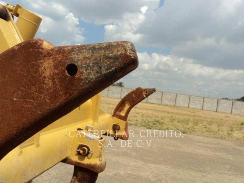 CATERPILLAR TRACTORES DE CADENAS D6T equipment  photo 7