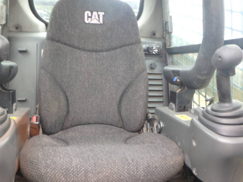 CATERPILLAR CARGADORES MULTITERRENO 299DXHP equipment  photo 16