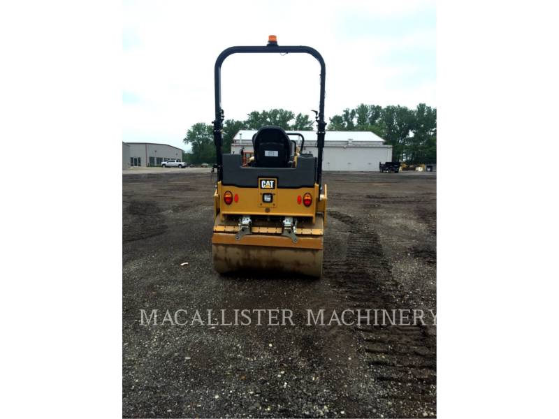 CATERPILLAR COMPACTEURS TANDEMS VIBRANTS CB34B equipment  photo 4