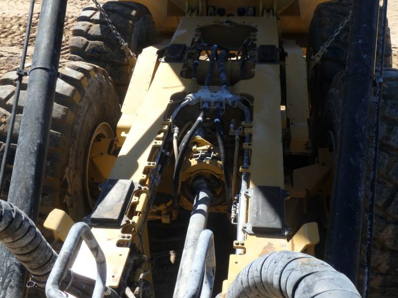 CATERPILLAR DUMPER ARTICOLATI 745C equipment  photo 8