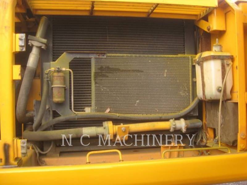 JCB PELLES SUR CHAINES 330L equipment  photo 6