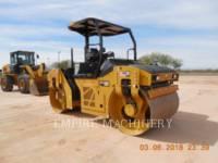 Equipment photo CATERPILLAR CB10 ROLO COMPACTADOR DE ASFALTO DUPLO TANDEM 1
