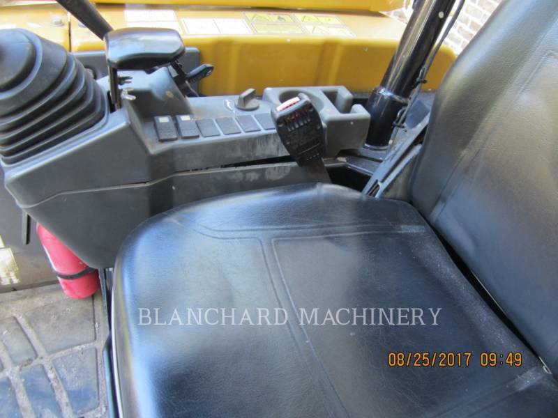CATERPILLAR TRACK EXCAVATORS 303.5E SO equipment  photo 7