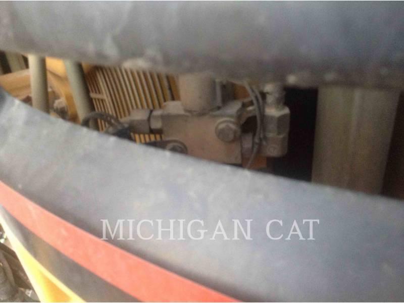 CATERPILLAR SAMOCHODY-CYSTERNY 725 WW equipment  photo 15