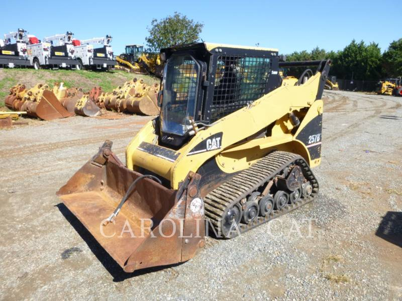 CATERPILLAR CHARGEURS SUR CHAINES 257B equipment  photo 6