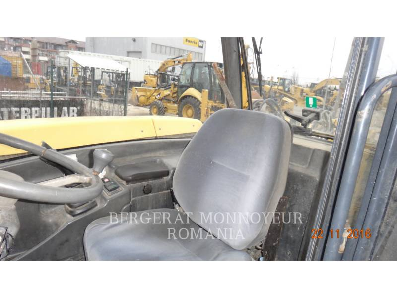 KOMATSU TELEHANDLER WH 714 H equipment  photo 6