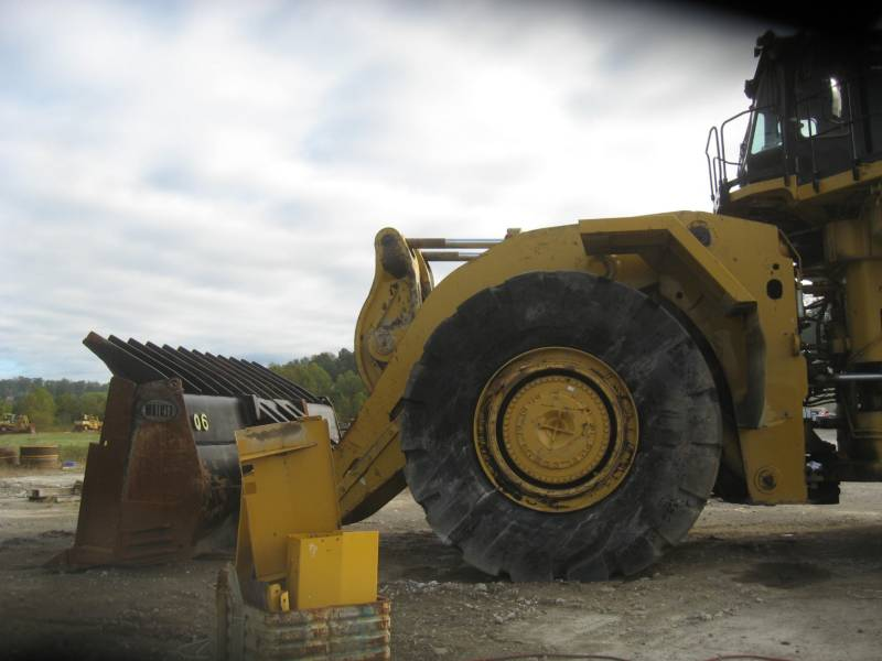 CATERPILLAR CHARGEURS SUR PNEUS MINES 994H equipment  photo 7