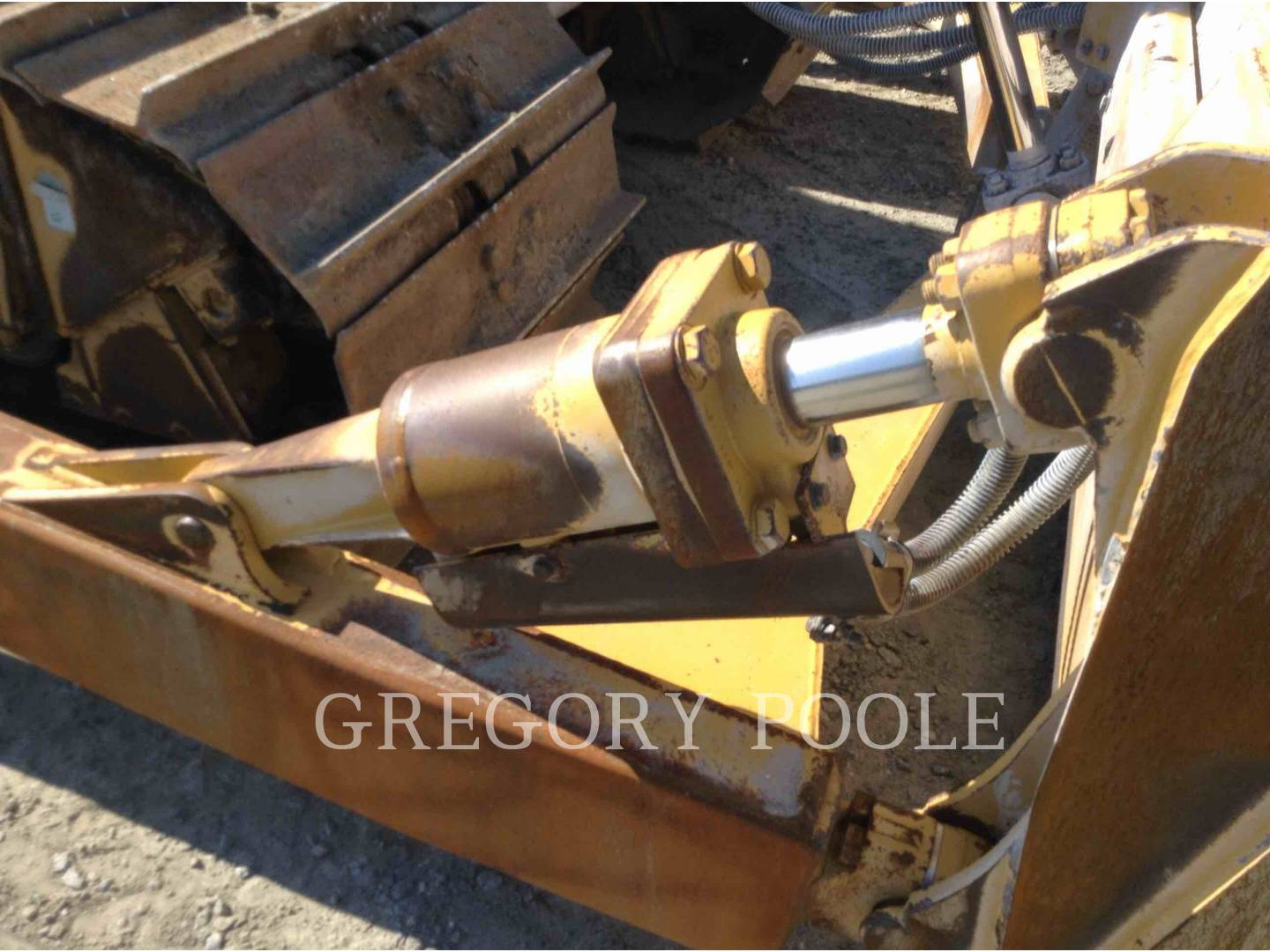 Detail photo of 2016 Caterpillar D6T from Construction Equipment Guide