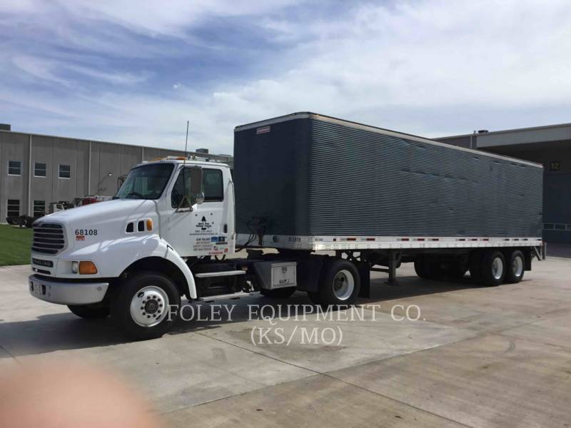STERLING ON HIGHWAY TRUCKS L8500 equipment  photo 7
