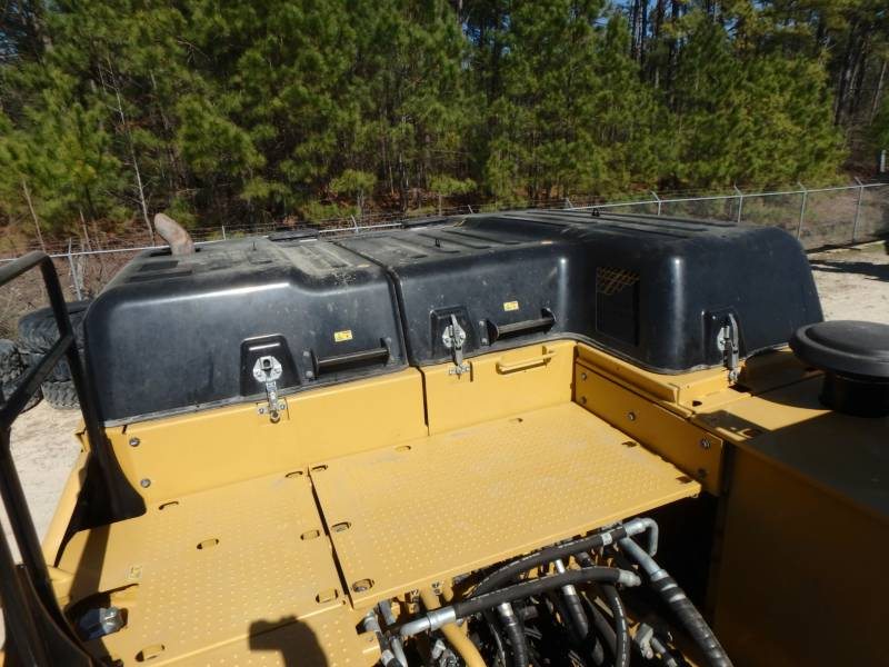 CATERPILLAR TRACK EXCAVATORS 349FL equipment  photo 20