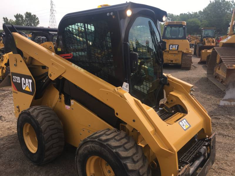 CATERPILLAR KOMPAKTLADER 272D equipment  photo 8