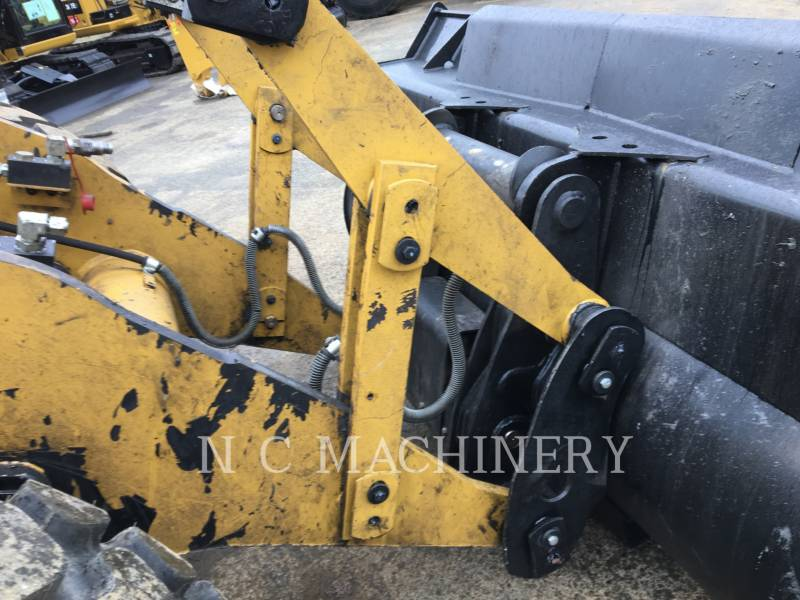 CATERPILLAR CHARGEURS SUR PNEUS/CHARGEURS INDUSTRIELS IT14G2 equipment  photo 8