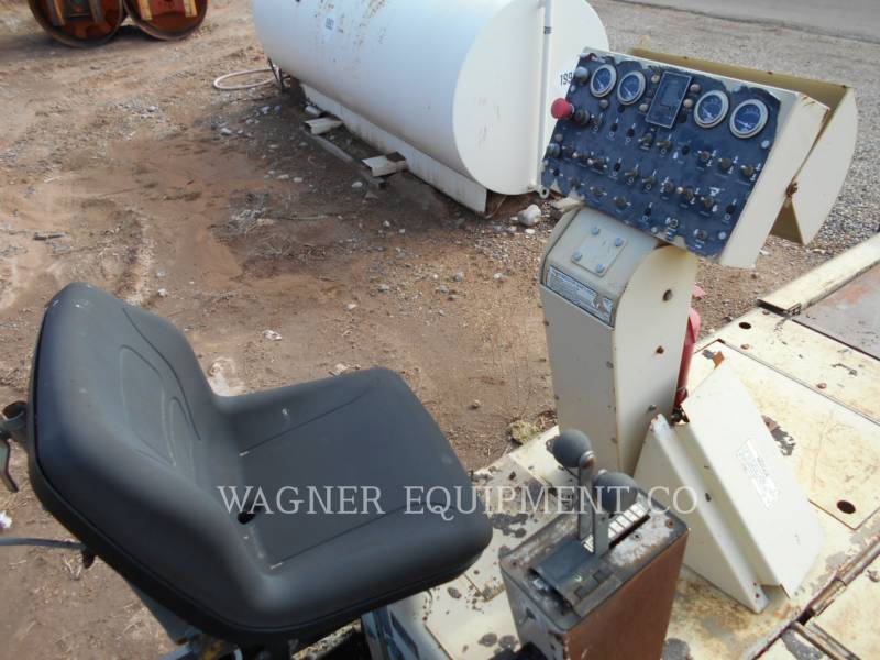 BLAW KNOX / INGERSOLL-RAND ASPHALT PAVERS PF5510 equipment  photo 8