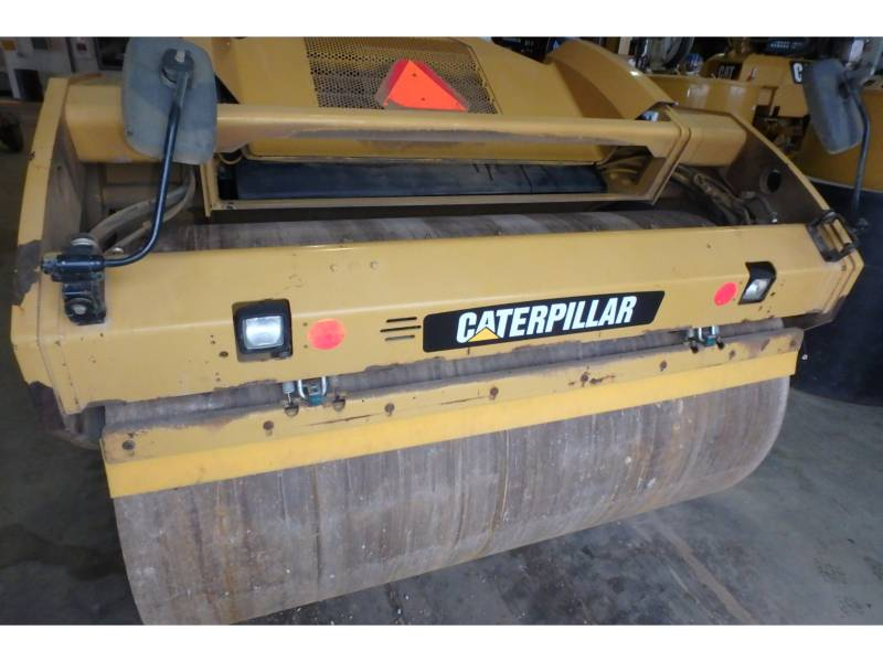 CATERPILLAR TAMBOR DOBLE VIBRATORIO ASFALTO CB64 equipment  photo 5